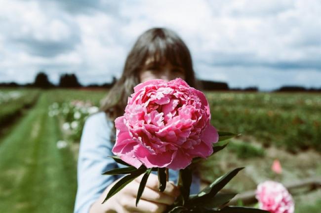 Kinfolk_Peony-Gardens-web-12-13_02-753x500